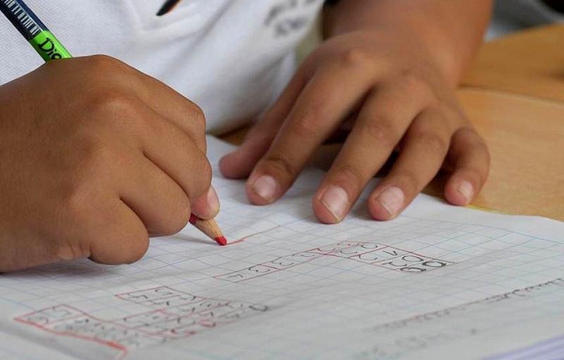 Governo anuncia expansão do ensino integral em escolas no Estado