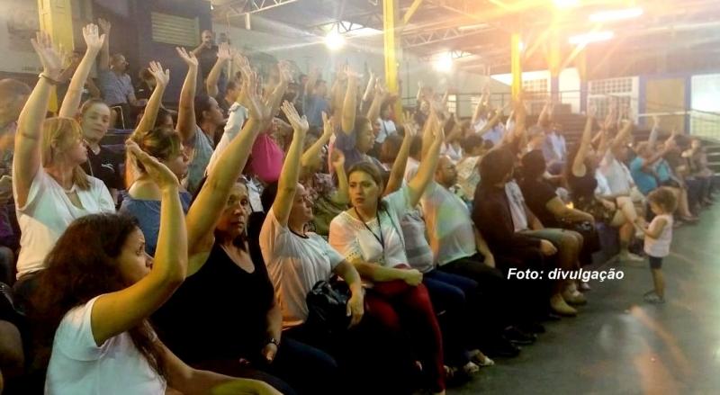 Servidores de Marília fazem assembleia e aceitam proposta da Prefeitura