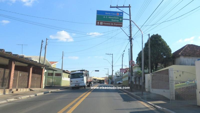 Prefeita Tina cobra providências urgentes do DER para os buracos na Via Expressa
