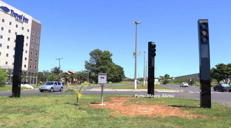 Novos semáforos entram em funcionamento nesta quarta-feira