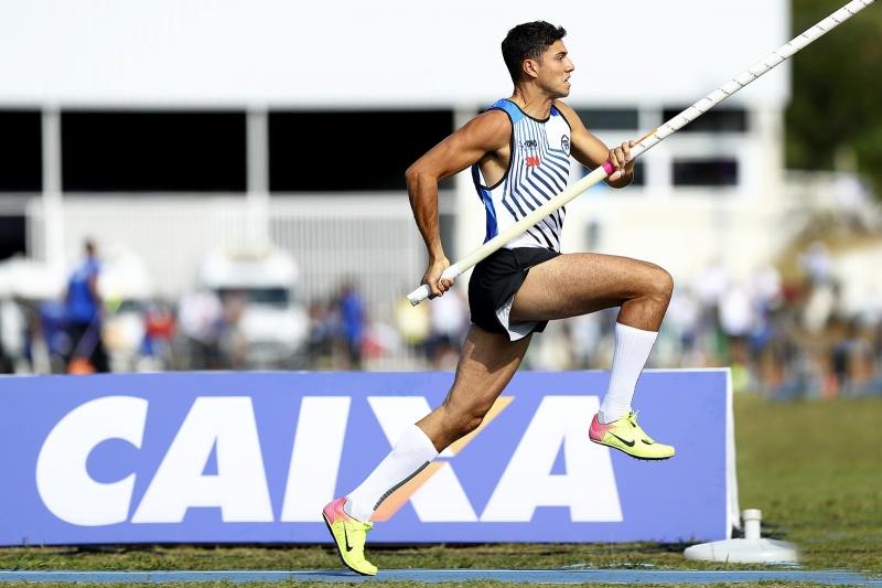 Mariliense Thiago Braz salta de 5,55m e é ouro no Troféu Brasil