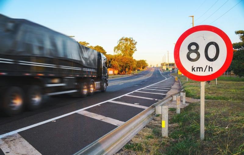 Fiscalização de velocidade em rodovias aumenta segurança dos usuários