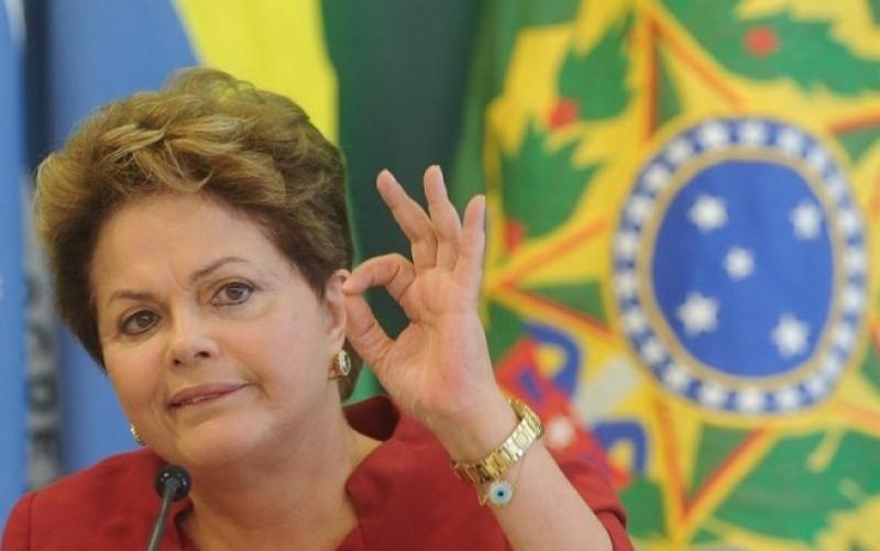 Em nova mensagem de 1º de Maio, Dilma critica terceirização irrestrita
