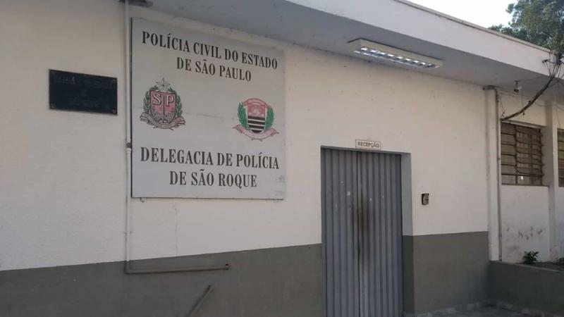 Jovem é presa após torturar e matar irmão de 5 anos