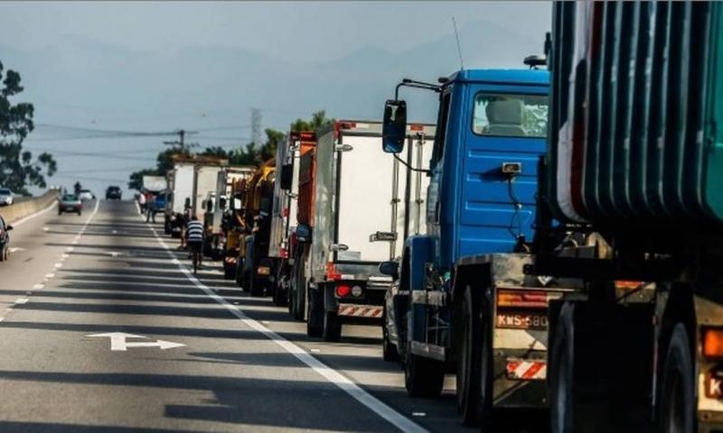 Governo anuncia crédito de R$ 30 mil para caminhoneiros autônomos