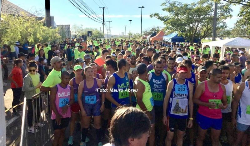 Mais de 640 atletas participam da 2ª Corrida da Amizade