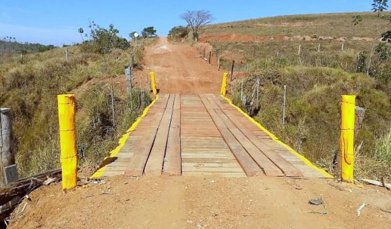 Prefeitura de Pompeia entrega reconstrução de ponte na zona rural