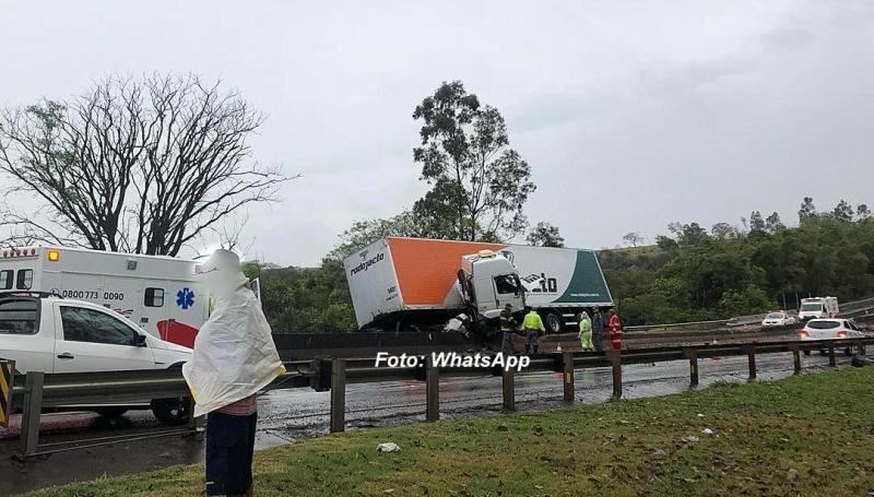 Acidente em rodovia na região mata caminhoneiro mariliense
