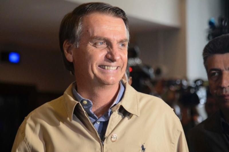 Bolsonaro pode participar de debate rápido, diz médico