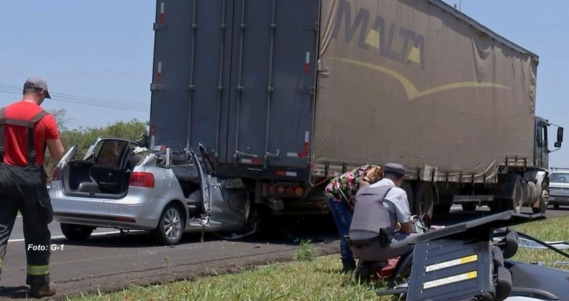 Acidente na rodovia Marechal Rondon mata uma pessoa e fere três