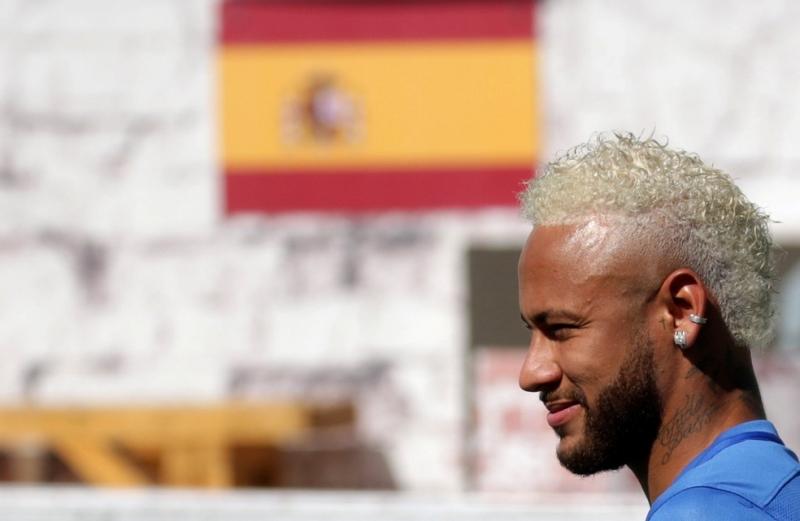 Barcelona vai oferecer R$ 420 milhões mais dois jogadores por Neymar