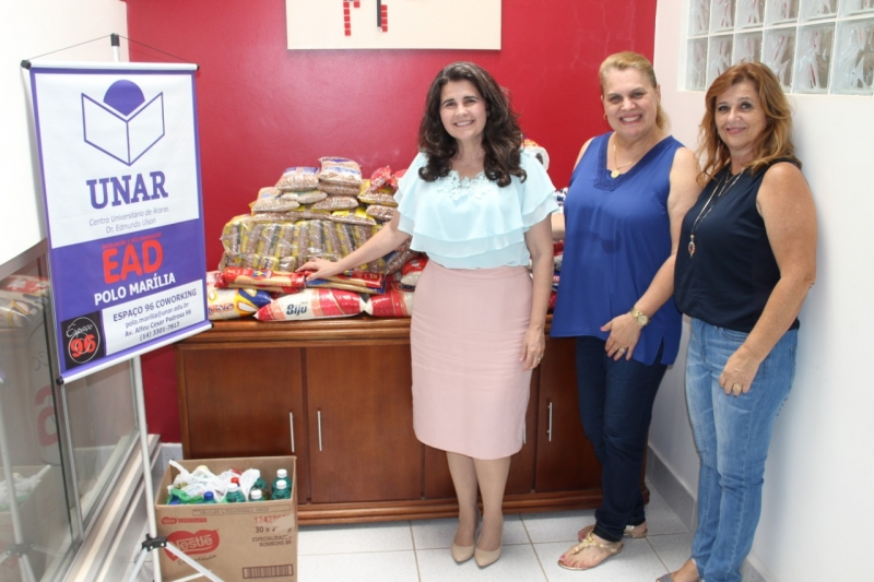 Polo Marília da UNAR repassa alimentos e produtos de higiene ao Fundo Social de Solidariedade