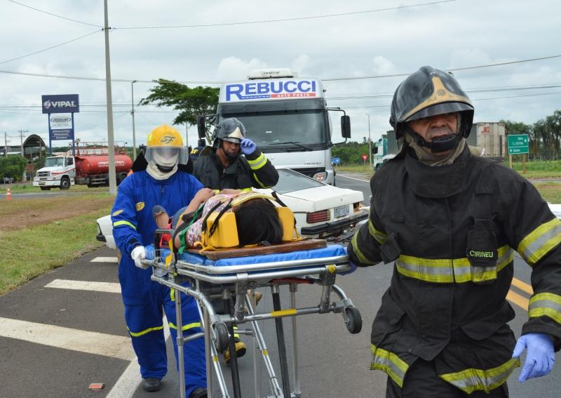 Triunfo Transbrasiliana realiza simulado de acidente com produto perigoso
