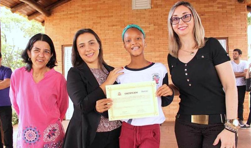 Projeto de Pacificação Escolar realiza ação na Fazendinha da Unimar