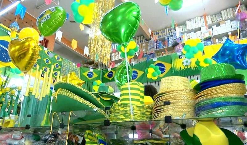 """Copa do Mundo: comércio não """"sente"""" o entusiasmo com a seleção"""