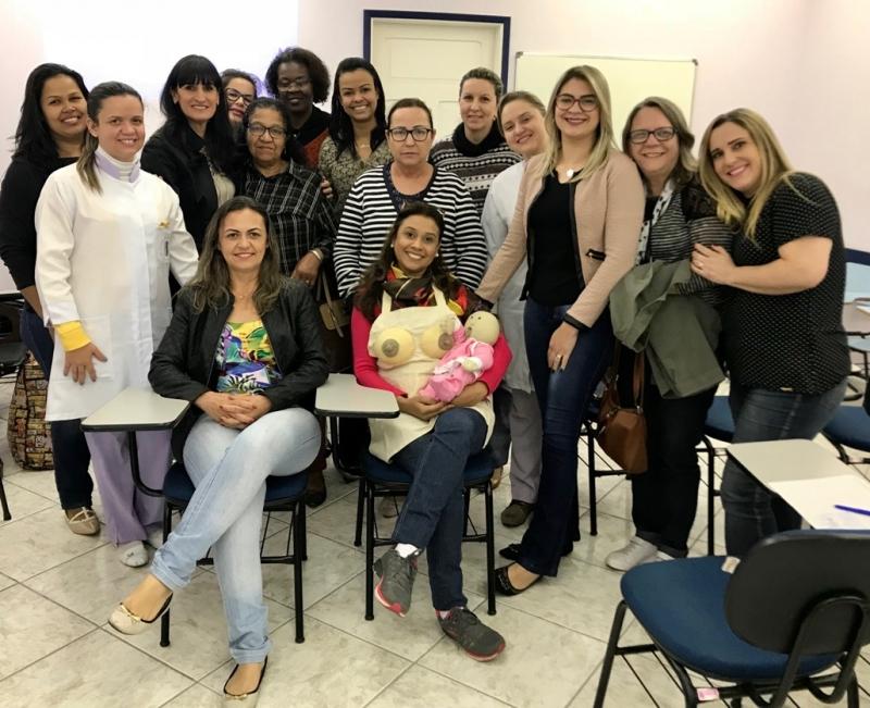 Agosto Dourado:  Equipe técnica da Gota de Leite participa de Palestra sobre Amamentação