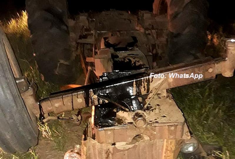 TRAGÉDIA: Tratorista morre após veículo tombar às margens da BR-153, em Marília
