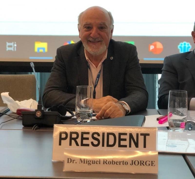 Brasileiro toma posse como Presidente da Associação Médica Mundial