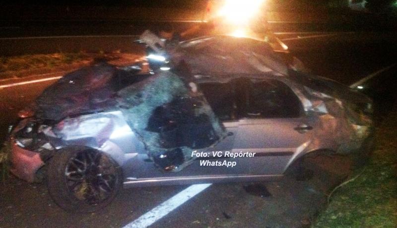 Jovens sofrem grave acidente na rodovia do Contorno, em Marília