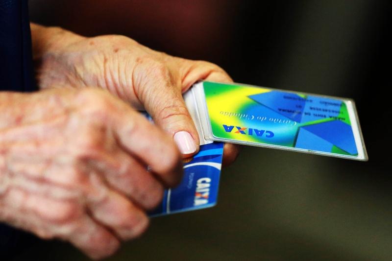 Saques de até R$ 998 do FGTS podem ser feitos em 20 de dezembro