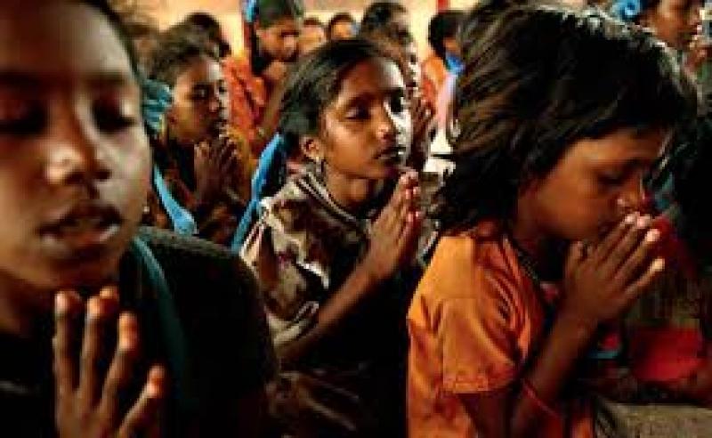 Índia: acidente com ônibus escolar deixa 30 mortos; 27 são crianças