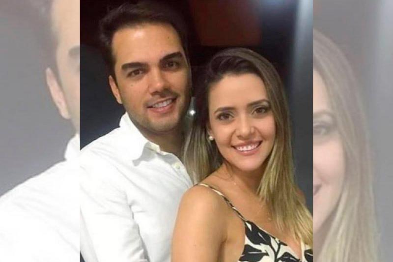 Jovem casal de médicos com casamento marcado morrem em acidente