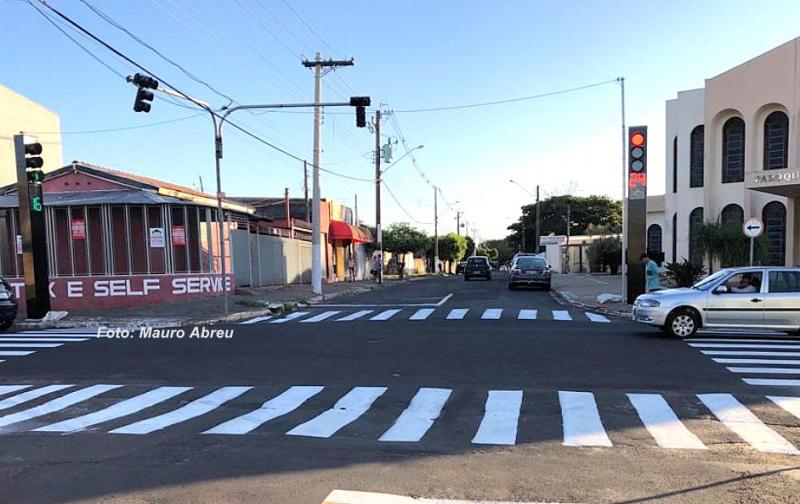 Prefeitura e Emdurb instalam novos semafóros na zona sul