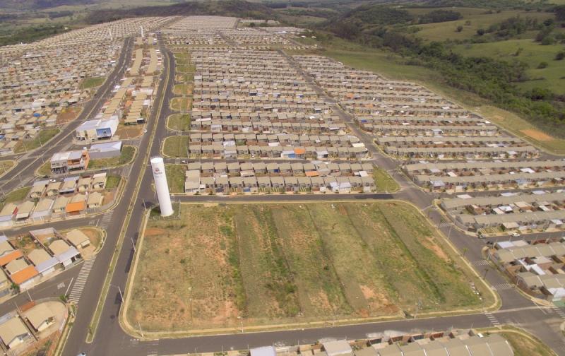 Prefeito Daniel autoriza início da construção de duas escolas no Maracá/Montana