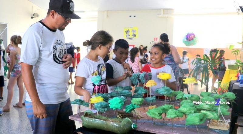Prefeitura finaliza feiras ambientais do projeto social da ETE nas Emefs