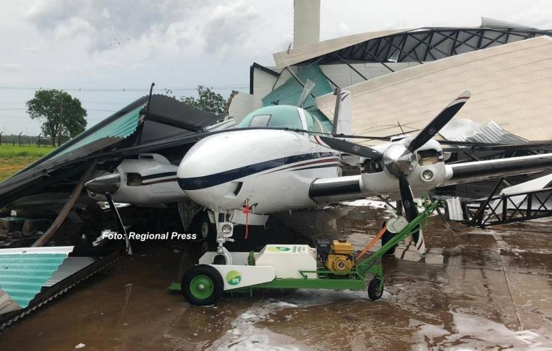 Hangar de aeroporto na região desaba após temporal e mata mulher