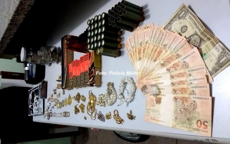 Polícia Militar recupera R$ 30 mil em joias furtadas por menores