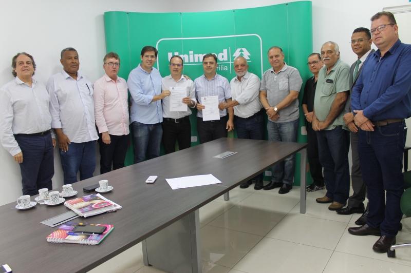 Diretor-presidente da Unimed Marília e irmão receberão título de Cidadãos Marilienses