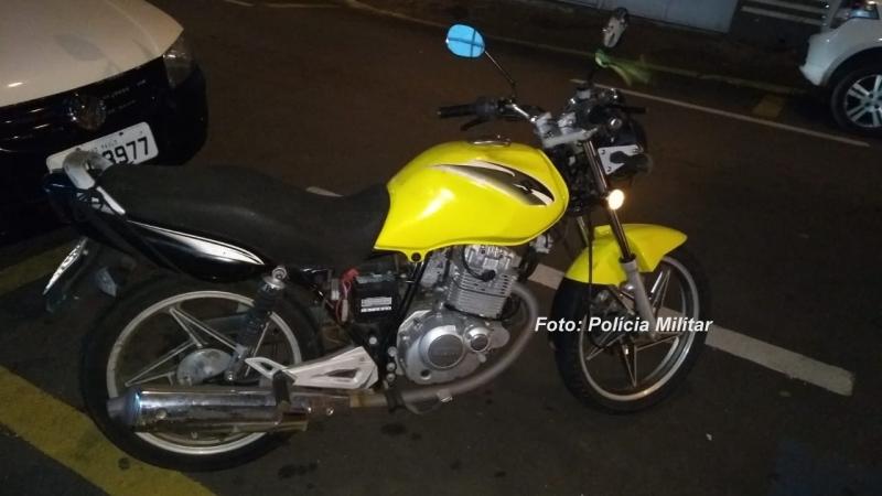"""PM recupera moto furtada e carro """"desaparecido"""" em Marília"""