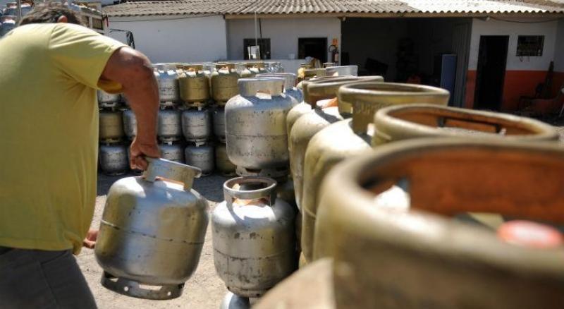 Brasileiro vai poder comprar botijão de gás pela metade