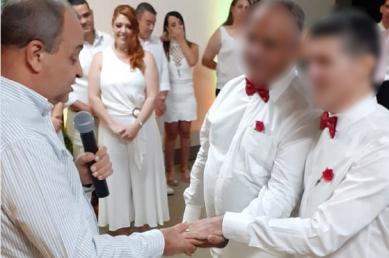 Padre é suspenso após abençoar união homoafetiva, na região