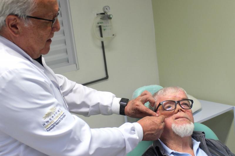 Paciente do Amaral Carvalho recebe prótese com molde 3D
