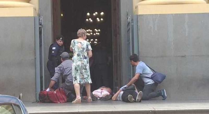 Atirador mata 4 e comete suicídio em catedral de Campinas