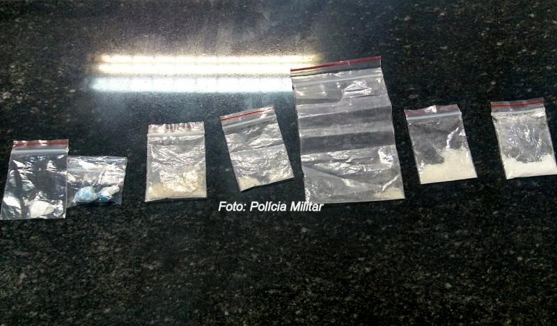 PM apreende drogas (até sintéticas) em Marília e região