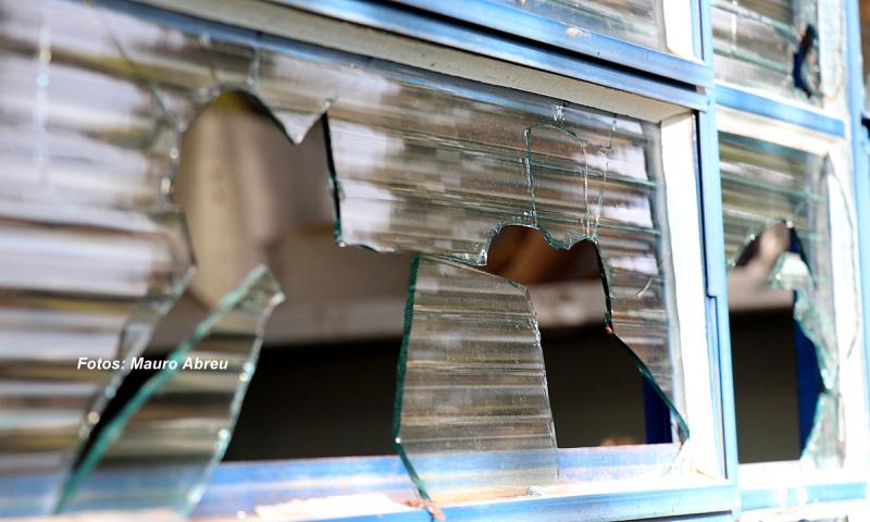 Após ataques, unidade de saúde volta a funcionar em Marília. Polícia investiga