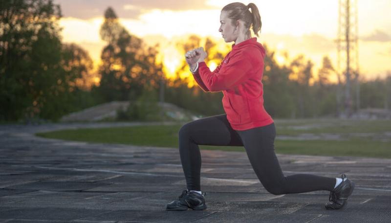 Afundo: excelente exercício para coxas e glúteos