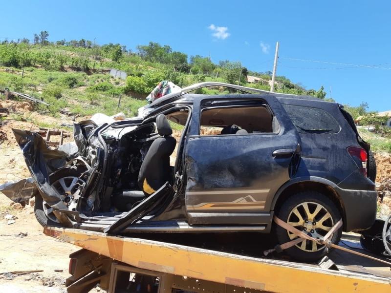 Cinco pessoas da mesma família morreram após acidente na BR-116